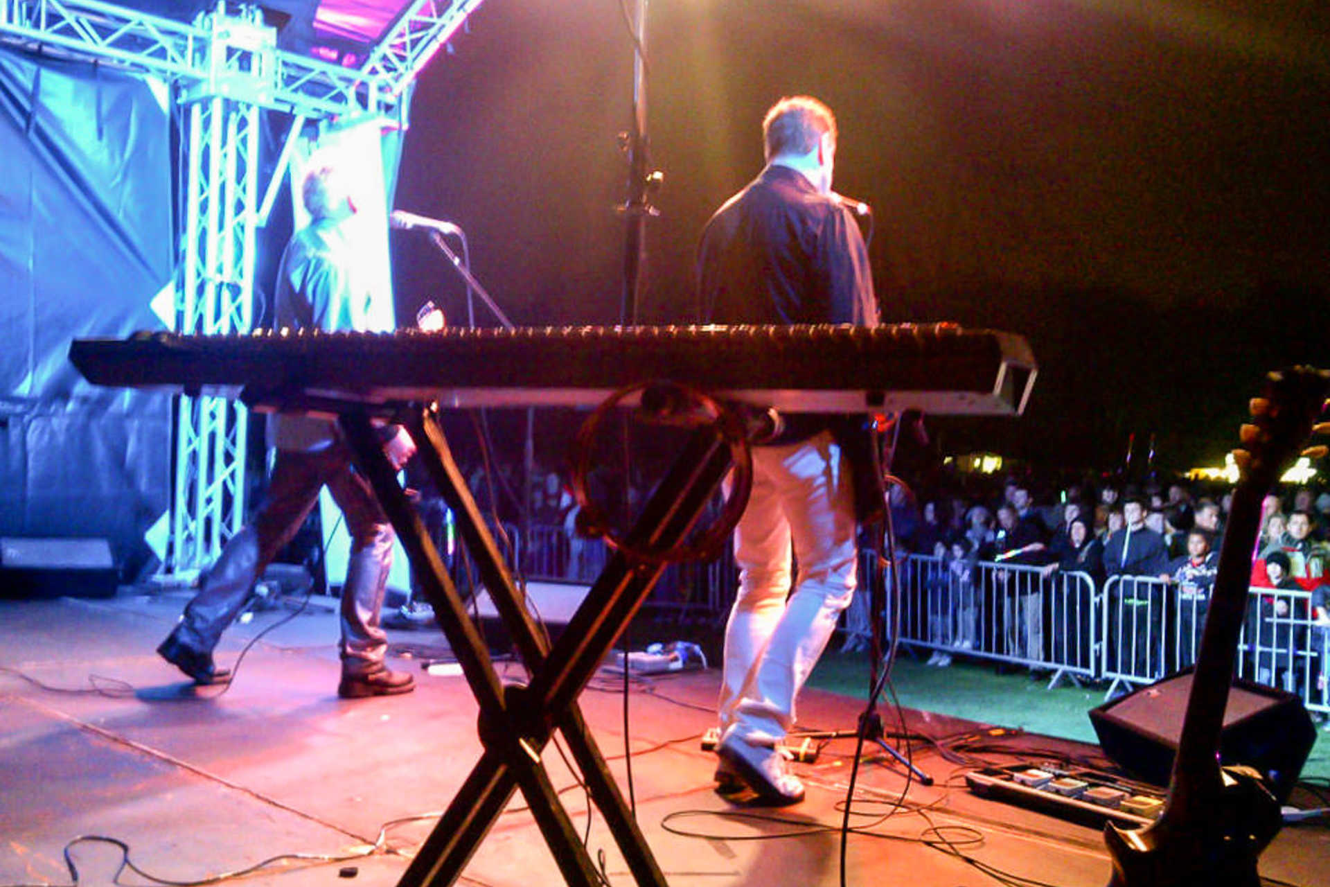 stage-cassiobury-park