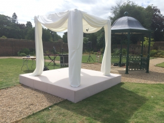 Shendish Manor Chuppah