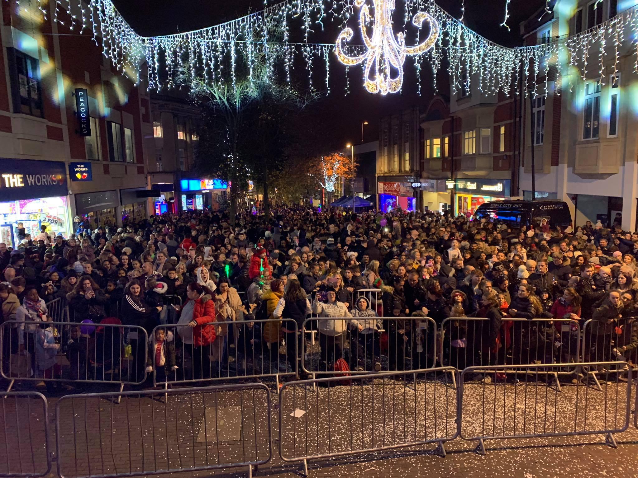 Christmas lights crowd